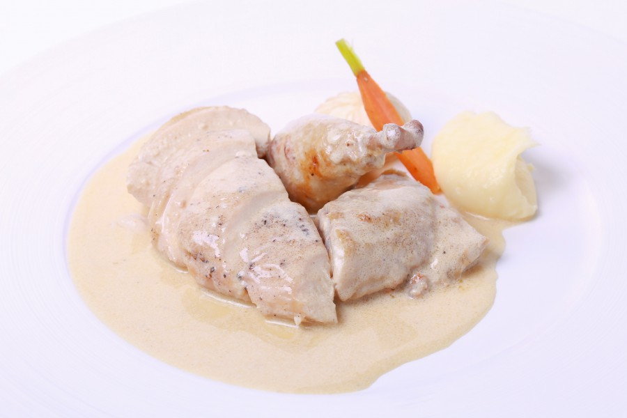 poached-chicken-with-champagne-sauce